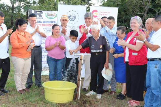 71 familias beneficiadas con proyecto de agua y saneamiento del FCAS en Amapala