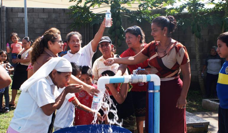 Más de 4.000 personas con agua potable en cuatro comunidades de Izalco