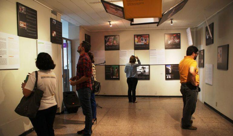 Exposición fotográfica por la no discriminación en la educación, en La Casa Tomada