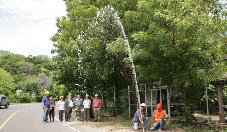 938 habitantes de San Pablo Tacachico gozarán de su derecho al agua potable y al saneamiento