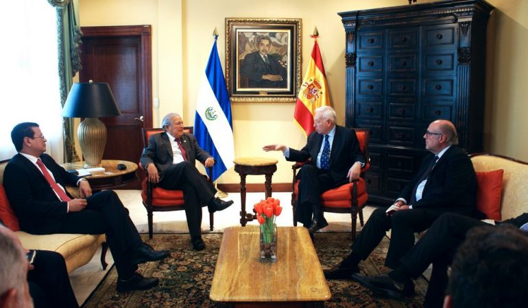 Ministro de Asuntos Exteriores de España visita El Salvador para fortalecer cooperación bilateral