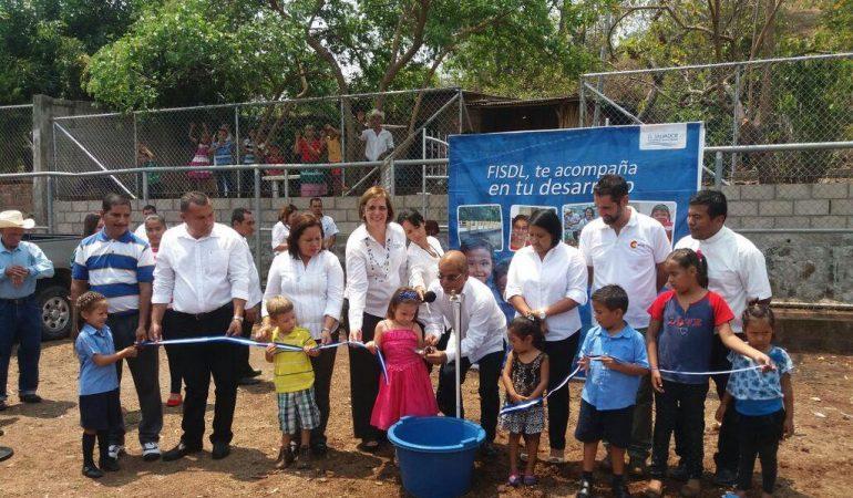 Cerca de mil personas cuentan con nuevo sistema de agua y saneamiento en San Pablo Tacachico