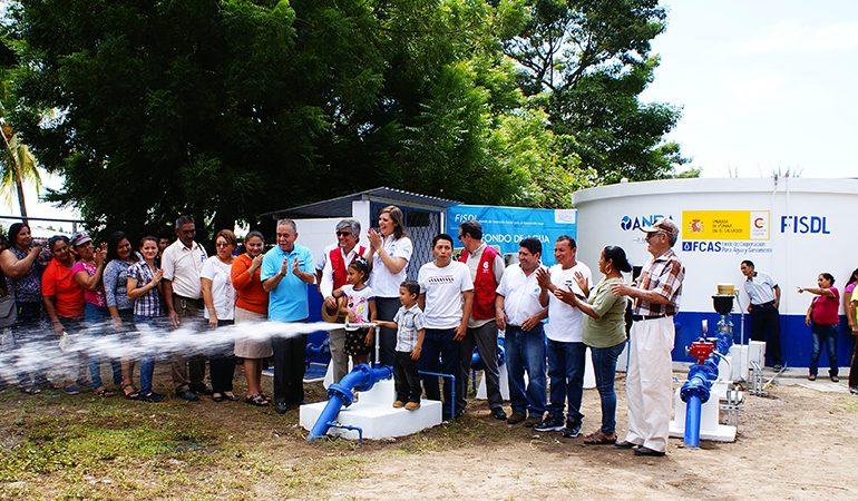 El Fondo de Cooperación de Agua y Saneamiento continúa fortaleciendo a las comunidades de El Salvador
