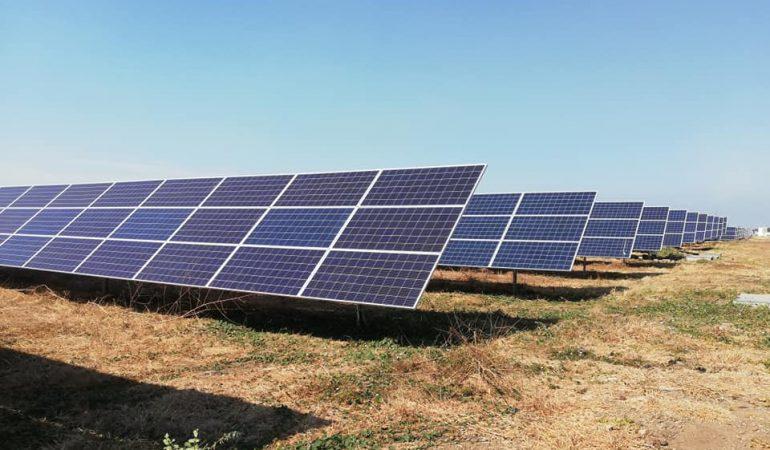 Inauguran tres plantas de energía solar en Acajutla