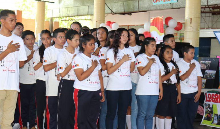 La Cooperación Española da seguimiento a convenio que beneficia a estudiantes salvadoreños