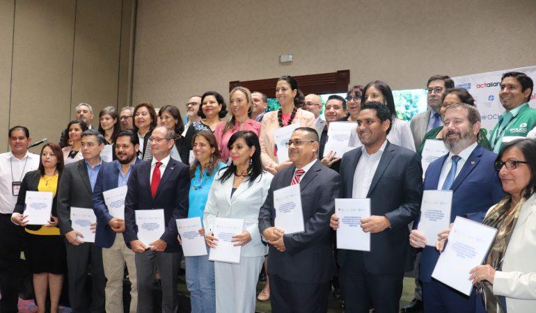 Renuevan carta de entendimiento del Equipo Humanitario de País El Salvador
