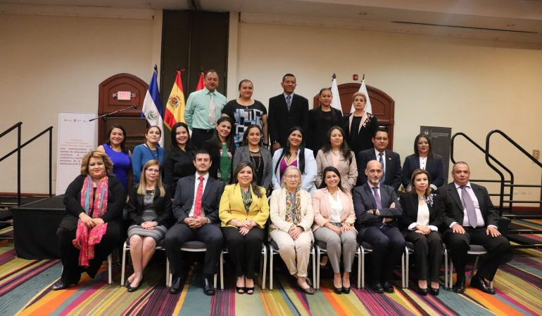 Funcionarios públicos culminan procesos de fortalecimiento vinculado al análisis del fenómeno de la violencia feminicida en El Salvador