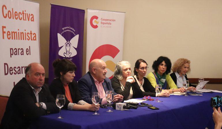 Parlamentarios vascos: «Estamos aquí para compartir experiencia sobre la situación de los derechos sexuales y reproductivos.»