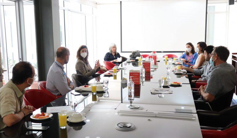 Lucia Chicote Escrich visita la Oficina Técnica de Cooperación de AECID El Salvador